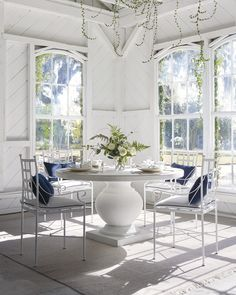 Dining Room Table Chairs, Outdoor Dining Chairs, Dining Nook, Round Dining Table, Dining Room Furniture, Kitchen Chairs, Outdoor Rooms, Furniture Decor, Outdoor Living