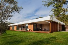 A Low Profile Home Designed Around A Theme Of Coastal Modernity