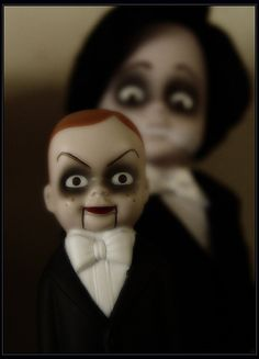 The Darkness within my Lights: More Scary Dolls - Mandeep Madden Dolls Creepy Toys, Scary Dolls, Creepy Stuff, Halloween Doll, Halloween Ideas, Halloween Party, Spooky Halloween, Halloween Decorations, Halloween Costumes