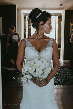 Makeup: Jordana Carraça Hair: @dorotasantoshairstylist Beauty Team: @jordana_dorota Wedding Planner: @events.somethingborrowed Fotografia: @marriedmorenos