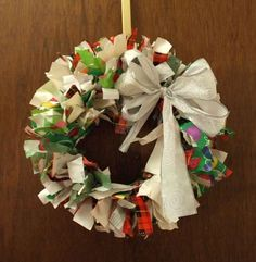 DSCF0722.JPG  Recycling: *How to Make a Christmas Wreath out of recycled wrapping paper