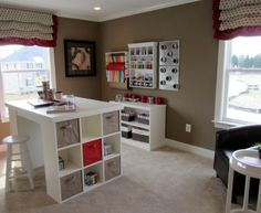 Eclectic-Kids-Inspiration-Beautiful-craft-table-with-storage-660x5401.jpg (660×540)