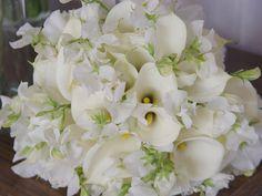 White calla & sweet pea bridal bouquet  Fleurs de France  www.fleursfrance.com