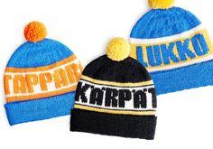 Neulo lätkän ystävälle fanipipo - katso ohjeet neljän joukkueen omaan pipoon   Kodin Kuvalehti Learn How To Knit, Mittens, Knitted Hats, Knit Crochet, Knitting Patterns, Beanie, Sewing, Diy, Crafts
