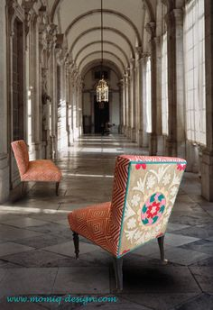 Chair Maori: a nursing chair upholstered with Maori fabric from Nobilis and a Suzani from Uzbekistan