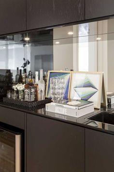 Decoração de apartamento amplo com ambientes integrados. Bar, bar em casa. #decoracao #decor #casadevalentina