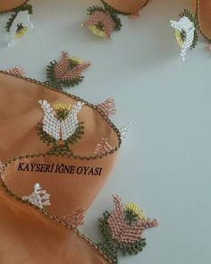 Lalelerim nasıl arkadaşlar😎 Güzel paylaşımlara devam😊 Mutlu sona az kaldı 18.modelim ... #igneoyasi#yazmakenari#gelinceyizi#sözbohcasi#düğünazirligi#elemegi#kapidaodemeli# Crochet Lace, Crochet Bikini, Needle Lace, Scarf Styles, Needlework, Diy And Crafts, Cross Stitch, Embroidery, Knitting