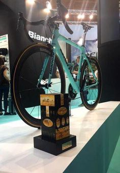 KaranBeef/Heneways @TeamKaranBeef Congratulations @BianchiOfficial on winning the 2015 bike of the year trophy! #Specialissima #Eurobike #Bianchi pic.twitter.com/9muXJgYNal
