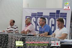 PREFEITO VALDOMIRO NOVASKI PARTICIPA DE REUNIÃO-ALMOÇO NA ASSOCIC