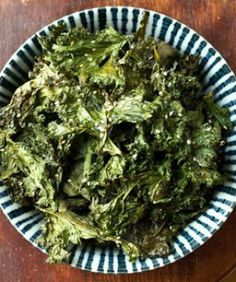 DIY Kale Chips! Plus, A Whopping 10 Flavor Options