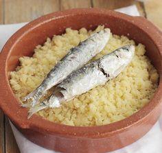 Receta de migas con sardinas asadas cocinada en horno microondas Panasonic DF383.
