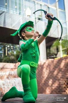 Little Green Arrow, photographed by MurkLock.