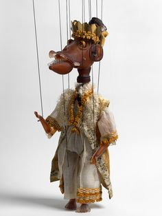 Exhibition: Wael Shawky - Cabaret Crusades - MoMA PS1 (May 14 - August 31)