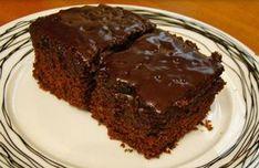 Πεντανόστιμη, οικονομική και πολύ εύκολη η σοκολατόπιτα που μοιράστηκε μαζί μας η μαμαδοφίλη Αναστασία! Δοκιμάστε τη και εσείς!! Υλικά: 250 γρ μαργαρίνη ή βούτυρο 2 φλ. τσαγιού ζάχαρη 1 φλ. Greek Recipes, Food Porn, Cooking, Sweet, Desserts, Drink, Baking Center, Deserts, Koken