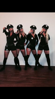 Sexy cop Halloween costume More -You can find Group costumes and more on our website.Sexy cop Halloween costume More - Disfarces Halloween, Halloween Mignon, Cute Group Halloween Costumes, Couples Halloween, Halloween Outfits, Halloween College, Women Halloween, Halloween Makeup, Kid Costumes