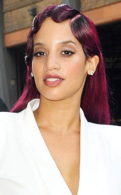 Are Dascha Polanco's finger waves a do or a don't? (We're feeling it!)