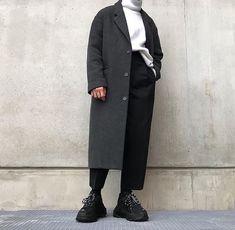 Advice On Buying Fashionable Stylish Clothes – Clothing Looks Moda Streetwear, Streetwear Fashion, Look Fashion, Korean Fashion, Mens Fashion, Mode Outfits, Fashion Outfits, Moda Sneakers, Look Man