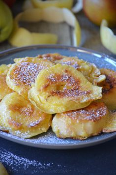 Ideas For Cheap Brunch Recipes French Toast Brunch Recipes, Breakfast Recipes, Fun Desserts, Dessert Recipes, Fried Apples, Food Videos, Food Inspiration, Food And Drink, French Toast