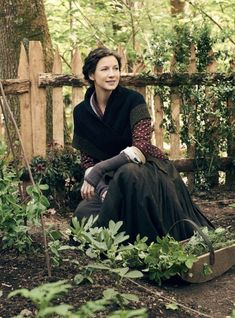 Caitriona Balfe as Claire Fraser of Outlander_Starz Season 4 Drums of Autumn - posted up October 17th, 2018
