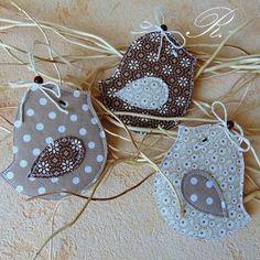 Bird Crafts, Easter Crafts, Diy And Crafts, Crafts For Kids, Sewing Toys, Sewing Crafts, Sewing Projects, Fabric Animals, Paper Birds