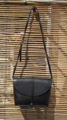 #Slate #BigStella, #Chiaroscuro, #MadeInIndia, #PureLeather, #Handbag, #Bag, #WorkshopMade #Leather #Casual #Vintage #Black #ShoulderBag #Sling http://chiaroscuro.in/products/slate-big-stella