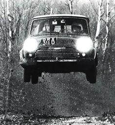 historic rally & classic race cars: mini cooper s - dna = rally Mini Cooper Classic, Mini Cooper S, Classic Mini, Vintage Racing, Vintage Cars, Mini Morris, Course Automobile, Classic Race Cars, Rally Car