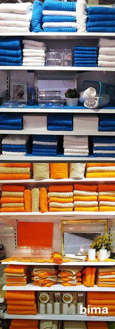 Aunque el color no tiene reglas, ciertos colores evocan sensaciones. Como ves aquí, por ejemplo, el azul junto al blanco aludirá a la limpieza. El naranja mezclado junto al beige aportará calidez. #BimaTips