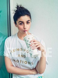 Check out the inside pictures from our latest cover shoot with Alia Bhatt Indian Bollywood Actress, Bollywood Fashion, Indian Actresses, Punjabi Actress, Bollywood Masala, Indian Celebrities, Bollywood Celebrities, Celebrities Fashion, Alia Bhatt Photoshoot