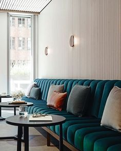 Tufted banquette seating restaurant design Ideas for 2020 Banquette Restaurant, Deco Restaurant, Luxury Restaurant, Restaurant Ideas, Restaurant Lighting, House Restaurant, Restaurant Tables, White Restaurant, Industrial Restaurant