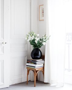8 French Rooms to Ignite Interior Envy// styling, white sheer curtains