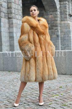 Fox Fur Jacket, Fox Fur Coat, Fur Coats, Brown Fur Coat, Fur Coat Fashion, Curvy Petite Fashion, Fall Fashion Trends, Fashion Bloggers, Black Blazers