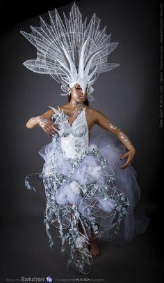 Before The Apokalypse | Projet : Before The Apokalypse Caste : Pretresse de l'Apokalypse Créé par : Free Spirit Modèle : Patthana Siharath Headdress : Fraise au Loup Costumes Stylisme : Fraise au Loup Créations MUA : Jelly  website : www.freespiritcrew.com facebook : www.facebook.com/freespiritcrew  #headpiece #headdress #freespirit #ange #sombre #darkbeauty #fashion #tattoo #wizard #magician