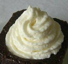 SUCRISSIME: le Secret pour réussir sa Crème Chantilly // http://www.sucrissime.com/2008/11/le-secret-pour-russir-sa-crme-chantilly.html