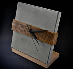 A perfect mix of wood & concrete, just about time! This beautiful and elegant clock could be customize in any size. Wood Concrete, Concrete Furniture, Concrete Crafts, Concrete Projects, Concrete Design, Wood Wood, Wall Clock Machine, Concrete Interiors, Beton Design