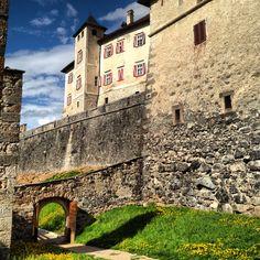 Sotto il Castello #invasionidigitali #castelthun #liberiamolacultura #laculturasiamonoi