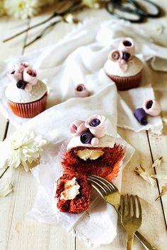 Divine Macaron: Red Velvet Cupcakes Magnolia