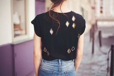 DIY: diamond cut out t-shirt