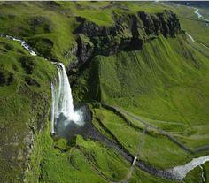 Seljalandsfoss Şelalesi - İzlanda