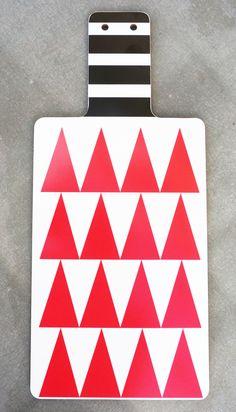 DIDO cuttingboard/red triangles