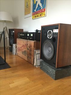 My own JBL L65 Jubal on 50kg granite plinths. Sansui CA/BA 2000 pre/power amps. #sansui #jbl #jubal #vintage #hifi