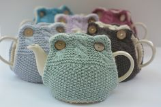 This pattern was originally published in the Artesano Aran Tea Cosy Collection.