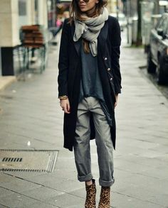 40 Trendy Casual Street Wear for Women Look More Elegant - Fashions Nowadays streetwear supreme hypebeast mens fashion fashion sneakers off white fruga Mode Outfits, Chic Outfits, Fall Outfits, Fashion Outfits, Gray Outfits, Fashion Mode, Look Fashion, Winter Fashion, Fashion Trends