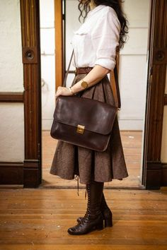The Lawrence is a small leather satchel handcrafted with Horween leather. This midsize crossbody leather satchel is versatile enough to wear with any outfit and functional enough to carry everything you need. Aesthetic Fashion, Aesthetic Clothes, Look Fashion, Autumn Fashion, Fashion Outfits, Womens Fashion, Feminine Fashion, Brown Fashion, Female Fashion