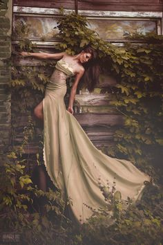 Fairytale fashion fantasy / karen cox.  ♔ Clinging to the vines...