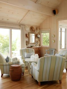 Sarah Richardson Design - Sarah's Cottage/Summer House (Dining Room and Lounge) Beach Cottage Style, Beach Cottage Decor, Lake Cottage, Cottage Lounge, Cozy Cottage, Coastal Cottage, Cottage Living Rooms, Home And Living, Cottage Interiors