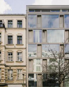 Architects: zanderroth architekten Location: Berlin, Germany Year: 2015 Photographs: Simon Menges