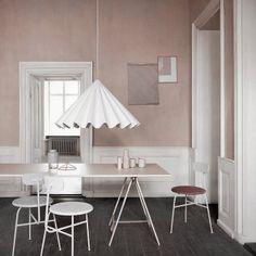 Lampenschirm Dancing Pendant Ein Hauch Nostalgie und eine Menge PET-Flaschen – so könnte man das neueste Werk der Designer Iskos-Berlin nennen, die Stil und Nachhaltigkeit für Menu miteinander verbunden.