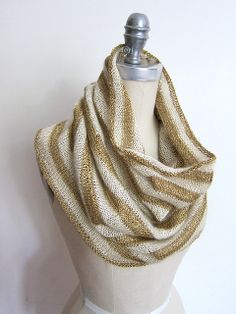 Ravelry: EspaceTricot's Seattle Cowl