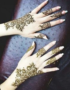 New Fancy Stylish Latest Arabic Mehndi Designs For Bridals,girls,Arabic Henna Designs with styles,Arabic Mehendi For Woman and Many more designs Designs Mehndi Tattoo, Henna Tatoos, Henna Tattoo Designs, Henna Mehndi, Tattoos, Latest Arabic Mehndi Designs, Henna Designs Easy, Mehndi Designs For Hands, Arabic Design