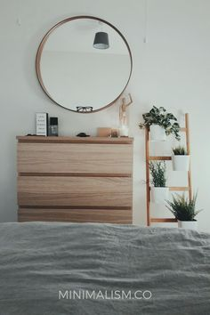 Our guide to Feng Shui for your zen bedroom redesign. These ideas can bring you large benefit in life further than having a pretty room Scandinavian Style Bedroom, Scandinavian Interior Design, Home Interior Design, Classic Interior, Interior Photo, Design Interiors, Bedroom Classic, Scandinavian Living, Scandinavian Tattoo